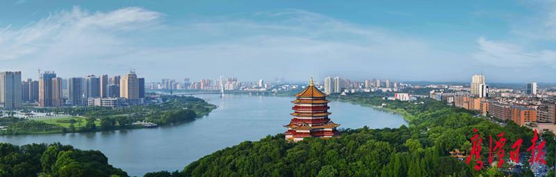 图为兴旺娱乐app城区一江两岸美景.jpg
