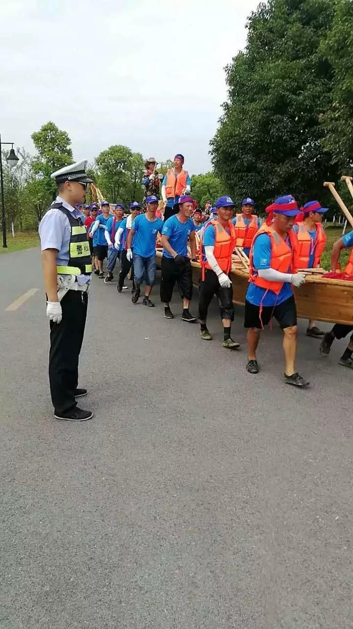 鹰潭交警圆满完成端午节期间道路交通安保工作