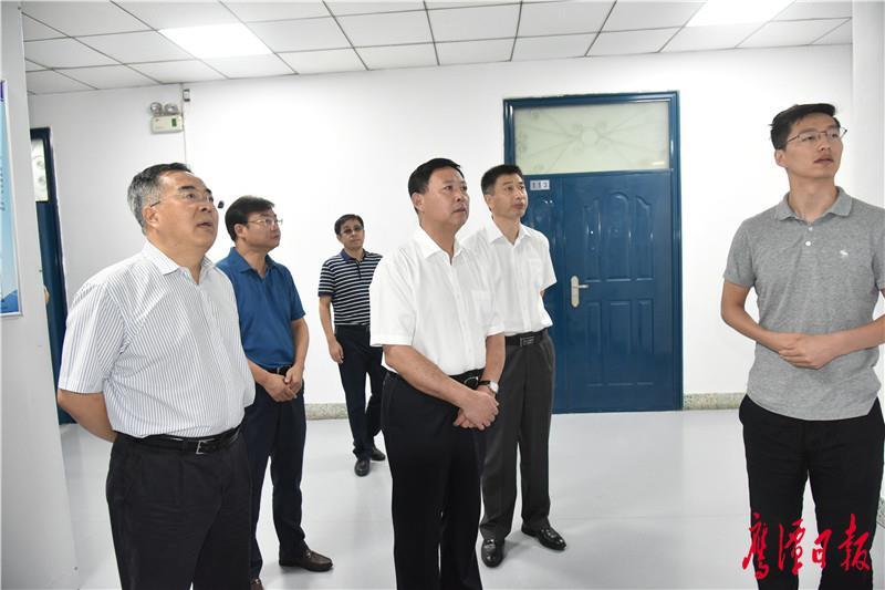 石墨烯应用技术协同创新中心.JPG