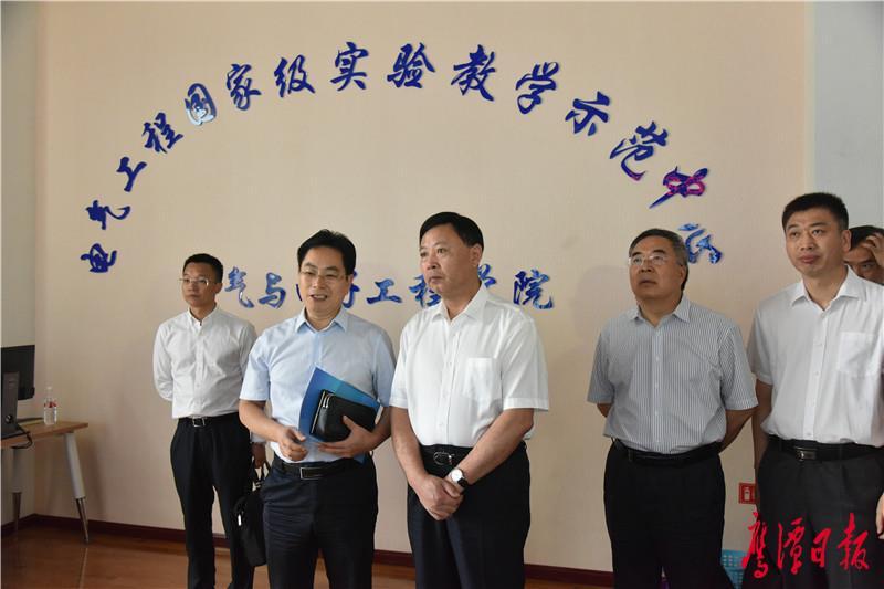 教学示范中心1.JPG