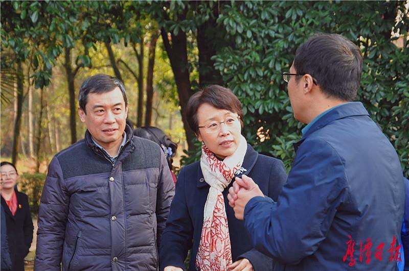 市委书记曹淑敏深入中科院鹰潭红壤生态实验站调研
