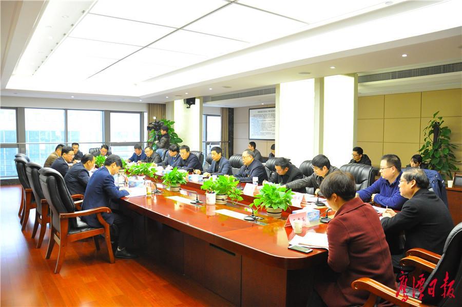 鹰潭市委常委班子民主生活会征求意见座谈会召开